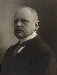 Baron Max Hussarek von Heinlein.jpg
