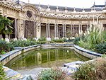 Bassin central cour intérieure Petit Palais Paris.jpg