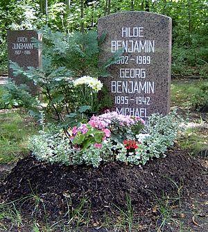 Hilde Benjamin - Hilde Benjamin's grave on the Zentralfriedhof Friedrichsfelde in Berlin