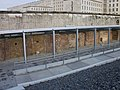 Berliner Mauer- Tod Streifen - panoramio.jpg