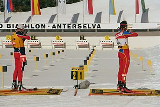 Biathlon - Standing position: Raphaël Poirée (left) and Ole Einar Bjørndalen, Antholz 2006.