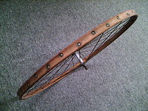 Bicycle wheel - Bicycle wheel with wooden rim