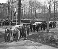 Bijzetting op Grebbeberg van 20 gesneuvelde militairen in Frankrijk, de 3 kisten, Bestanddeelnr 903-8450.jpg