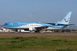Boeing 737-8K5, Arke JP7765604.jpg