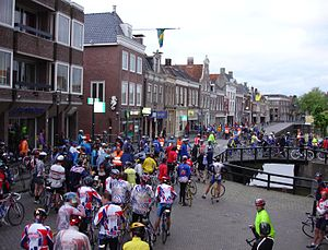 Eleven Cities Cycling Tour - Departure of the Elfstedentocht cycling tour in 2006