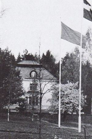 Bommersvik - Colonel Lundeberg extracted a promise from the SSU that the Swedish flag would always be raised higher than the SSU banner. This promise has been kept by the SSU ever since.