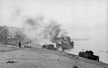Britské tanky na pláži pri dieppe