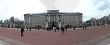 Buckingham Palace panorama.JPG