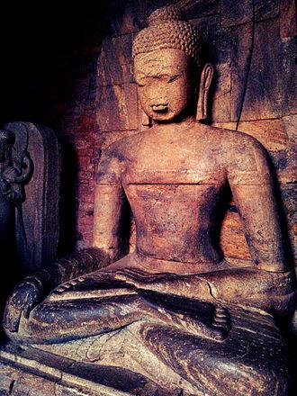 Ratnagiri, Odisha - Image: Buddha's structure inside main complex