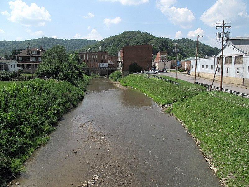 File:Buffalo Creek Mannington.jpg
