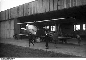"""Otto Könnecke - Image: Bundesarchiv Bild 102 00401A, Flugzeug """"Germania"""""""
