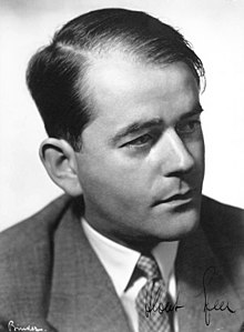 Monochrome photograph of the upper body of Albert Speer, signed at the bottom