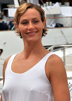 Cécile de France Cannes 2011.jpg