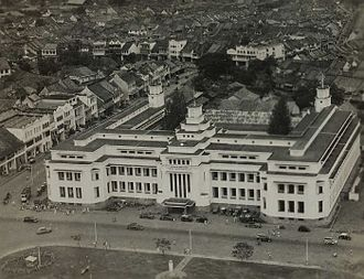 Netherlands Trading Society - Aerial view of the NHM branch in Jakarta circa 1955, now Museum Mandiri.