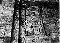 COLLECTIE TROPENMUSEUM Reliëf in interieur van tempel Tjandi Mendoet bij de ingang achteraan linksboven. TMnr 60004717.jpg