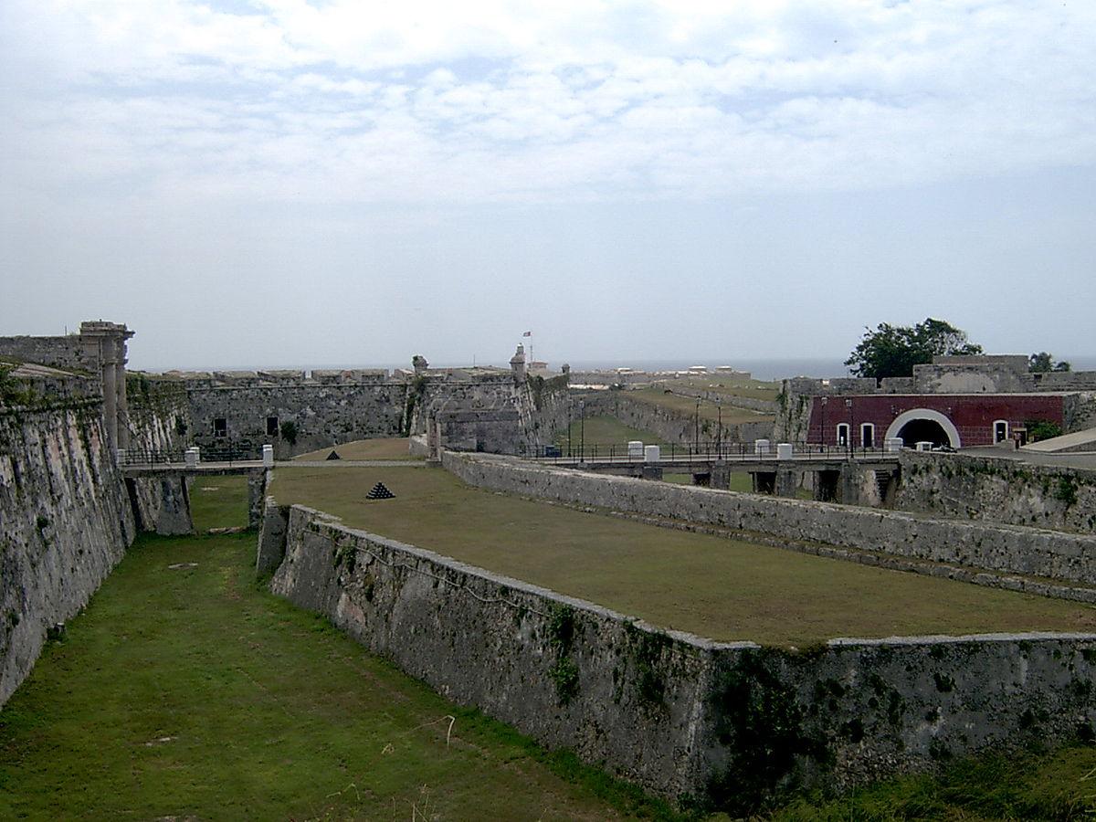 Fortaleza de san carlos de la caba a wikipedia for Cocina inglesa de la cabana