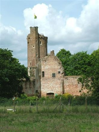 John Paston (died 1504) - Ruins of Caister Castle, which Sir John Paston surrendered in 1469 after a siege by the Duke of Norfolk