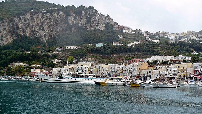 File:Capri - panoramio.jpg