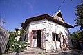 Casa cu pravalie pe colt2.jpg