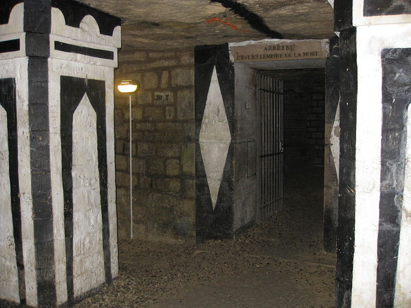 Photo of the Paris Catacombs by Deror avi, sourced from Wikimedia.com