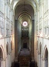 Cathedrale d'Amiens - nef depuis le triforium.jpg