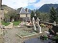 Cementerio en el pirineo - panoramio.jpg