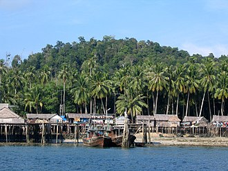 Lingga Islands - Stilt houses in Cempa.
