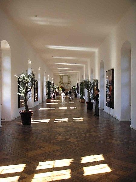 File:Château-de-chenonceau galerie 1er.JPG