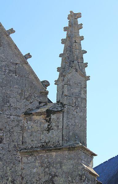 Chapelle de la Trinité (Plumergat): pinacle sur ouest
