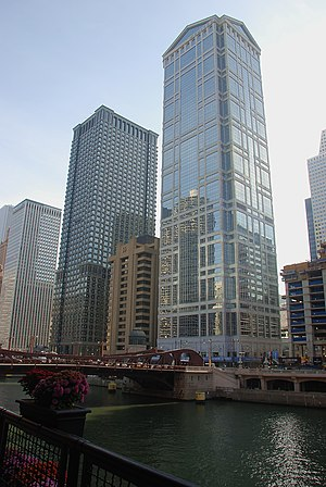 77 West Wacker Drive - 77 West Wacker is shown in context between the Leo Burnett Building and the partially constructed Waterview Tower.
