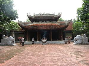 Lý Bát Đế Shrine - The main hall, Đền Đô, Đô Temple.