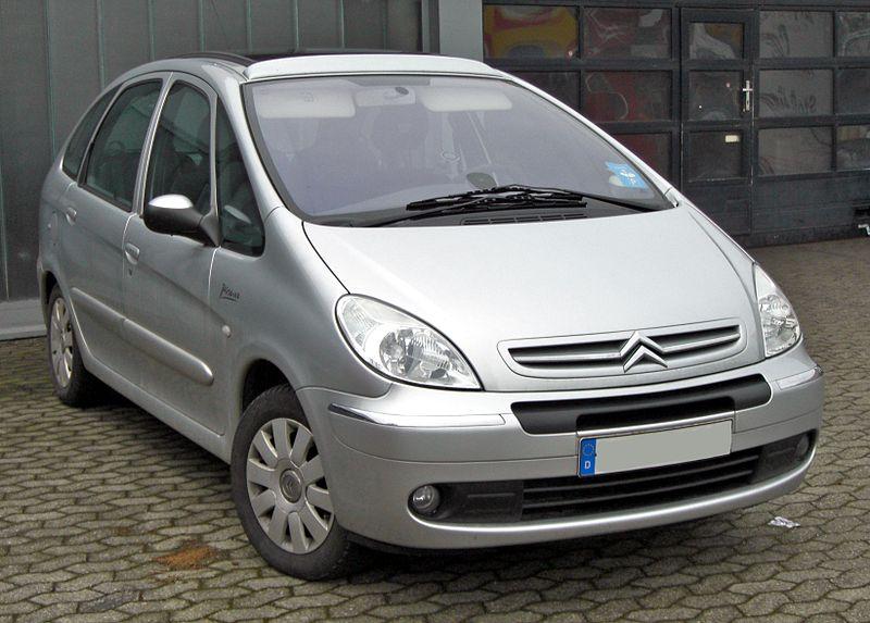 File:Citroën Xsara Picasso 20090221 front.jpg