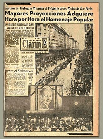 """Roberto Noble - Funeral procession for First Lady Eva Perón on a 30 July 1952 Clarín front page.  The daily's well-illustrated layout and smaller """"Berliner"""" format became influential to the medium."""