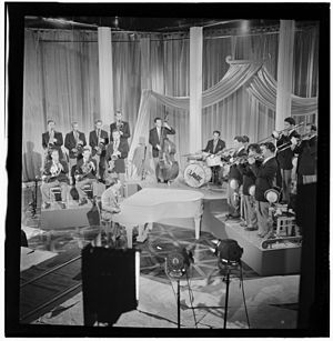 Claude Thornhill - Claude Thornill Orchestra with Joe Shulman, Danny Polo, Lee Konitz, Louis Mucci, Barry Galbraith, Bill Barber, Billy Exiner c. 1947. Photo by William P. Gottlieb