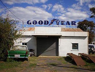 Clifton, Queensland - Old Clifton garage.