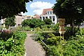 Community garden, Leiden (19554905485).jpg