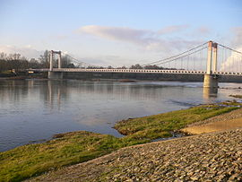 Bridge over the Loire in Cosne-Cours-sur-Loire.