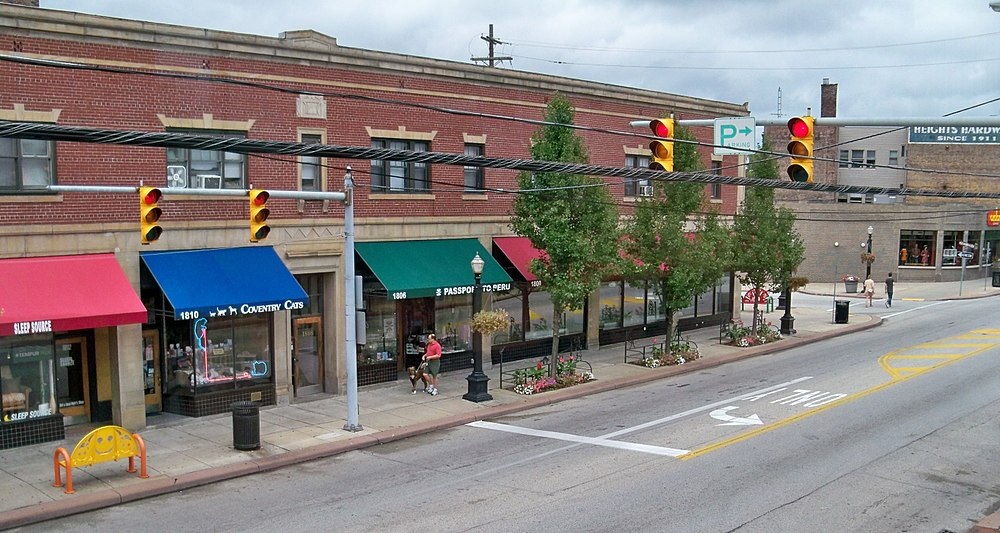 The population density of Cleveland Heights in Ohio is 2197.62 people per square kilometer (5694.33 / sq mi)
