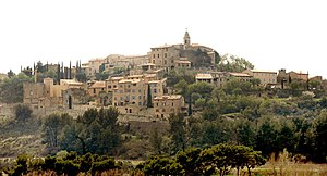 Crillon-le-Brave - A view of the village of Crillon-le-Brave