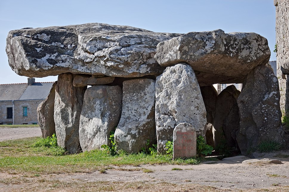 Crucuno dolmen