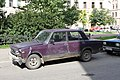 Damaged purple VAZ-2105 in St. Petersburg, Russia.jpg