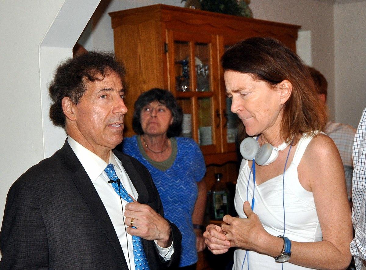 File:Democracy Summer, Jamie Raskin helps Mary Gay Scanlon ...