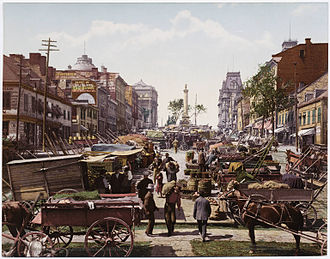 Place Jacques-Cartier - The square overlooked by Nelson's Column in its traditional role as a market place, 1900.