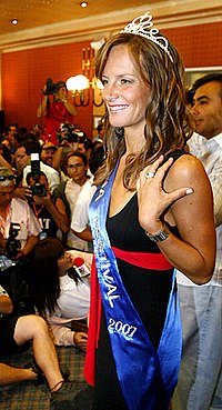 Diana Bolocco fue coronada Reina del Festival de Viña del Mar 2007 .