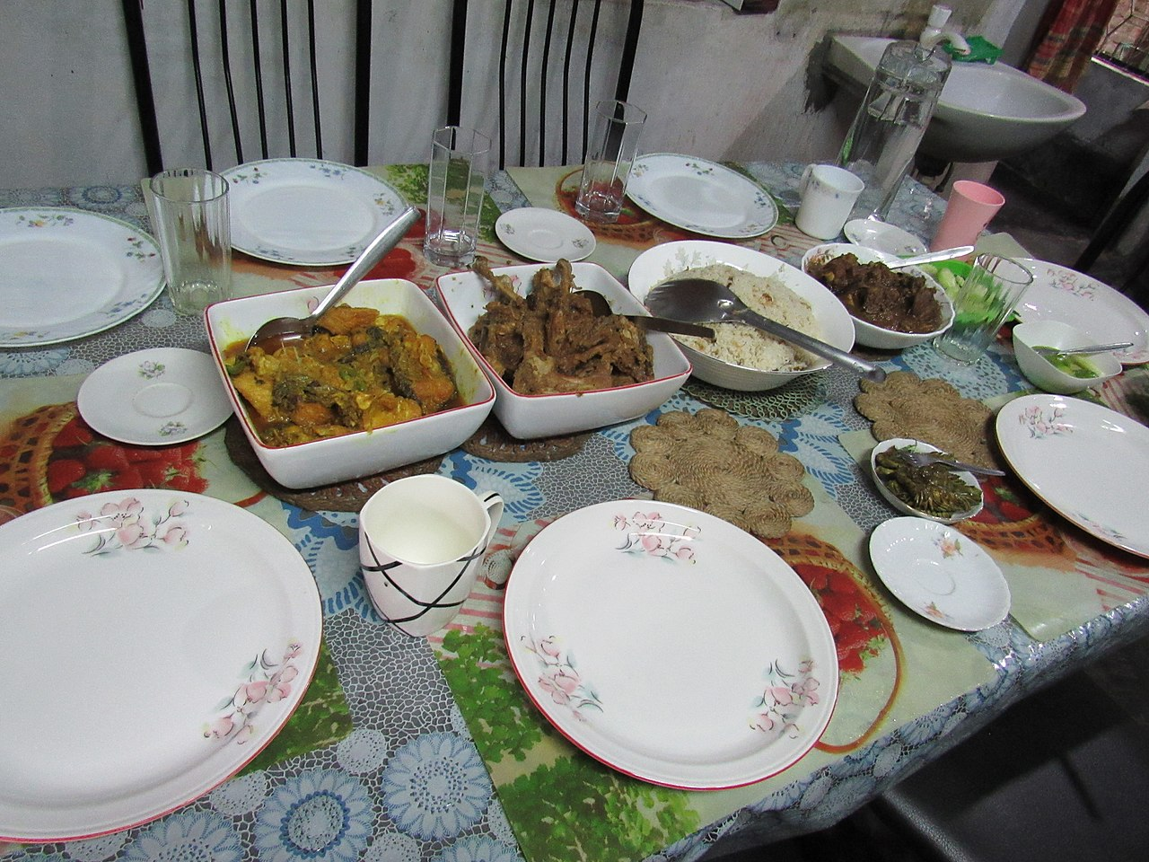 File:Dinner Table Arrangement With Food Of A Middle Class Bangladeshi  Family 01