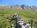 División de pastos en Picos de Europa. - panoramio.jpg