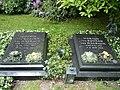 Doerte und Harald von Bohlen und Halbach Grabplatten.JPG