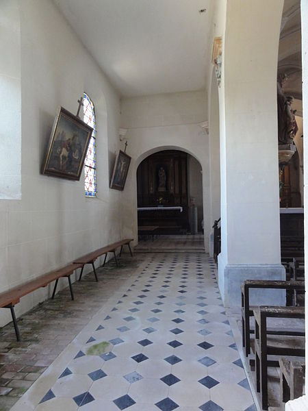 Dohis (Aisne) église, nef à gauche