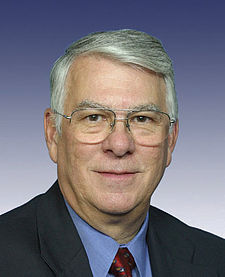 Donald Manzullo, official 109th Congress photo.jpg