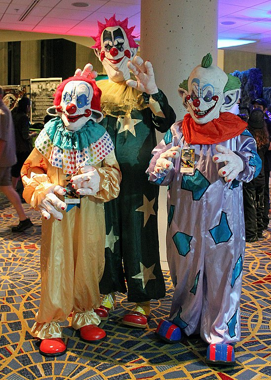 File dragon con 2014 killer klowns from outer space for Killer klowns 2